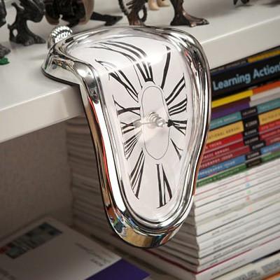 Horloge montre molle façon Dali