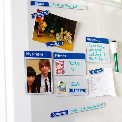Les objets en rapport ave cles réseaux sociaux Magnets-reseaux-sociaux-fridgebook