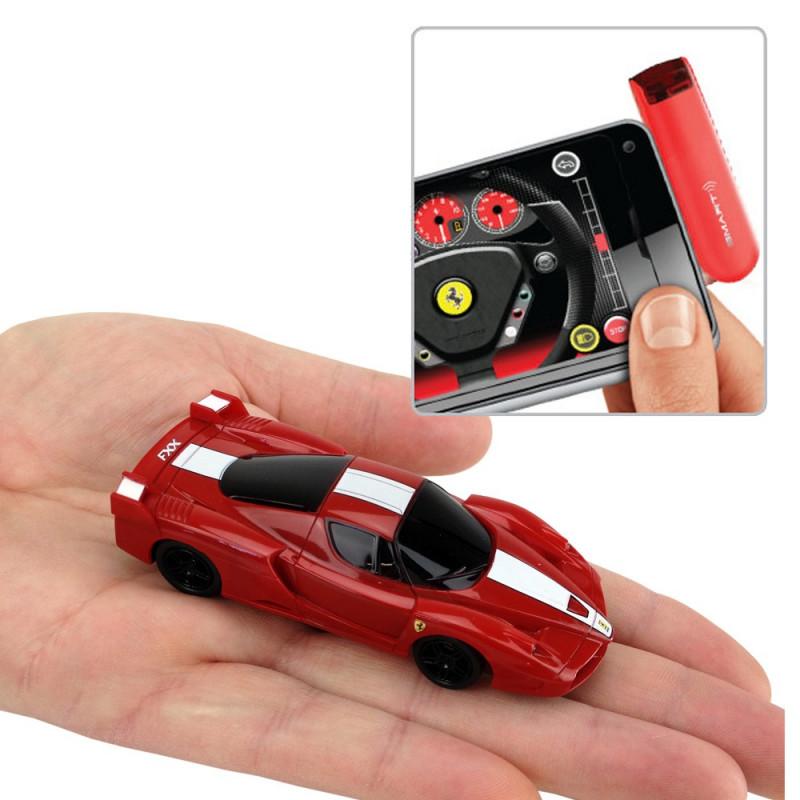 Smart link Ferrari FXX radiocommandée via Smartphone