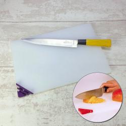 Planche à découper avec aiguiseurs de couteaux intégrés
