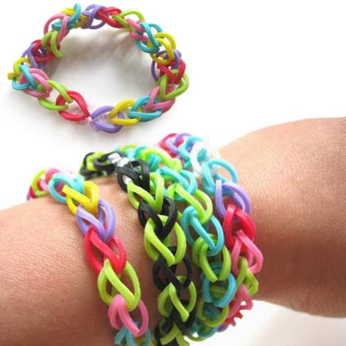 bracelets d 39 lastiques multicolores loom bands 0 40. Black Bedroom Furniture Sets. Home Design Ideas