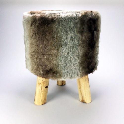 pouf en fourrure 31 90. Black Bedroom Furniture Sets. Home Design Ideas