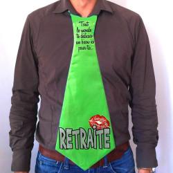 Cravate géante Retraite