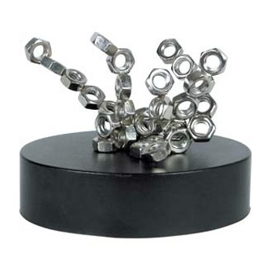 Sculpture magnétique Ecrous