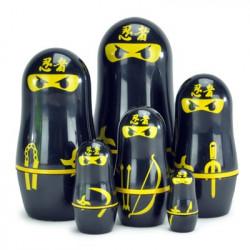 Poupées russes Matryoshka design Ninja