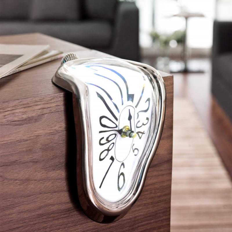 Horloge montre molle façon Dali chiffres normaux