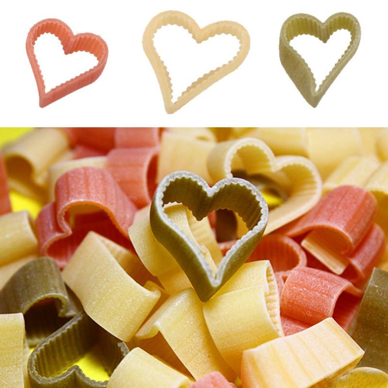 des pâtes en forme de coeur