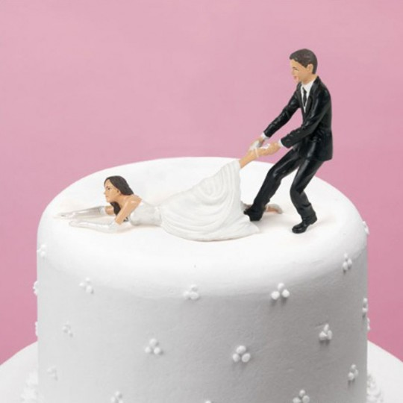 une figurine Mariée réticente pour gâteau de mariage