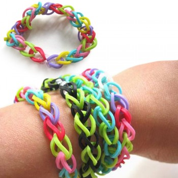 Bracelets d'élastiques multicolores loom bands